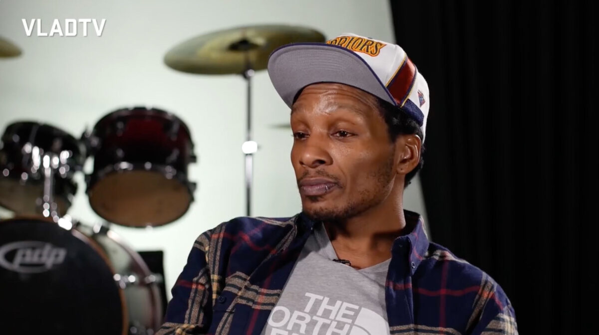 Del the Funky Homosapien discusses early internet hiphop websites with VladTV